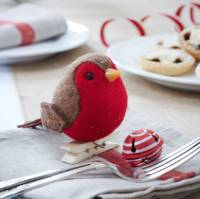 peg on robin red breast decoration by the christmas home ...