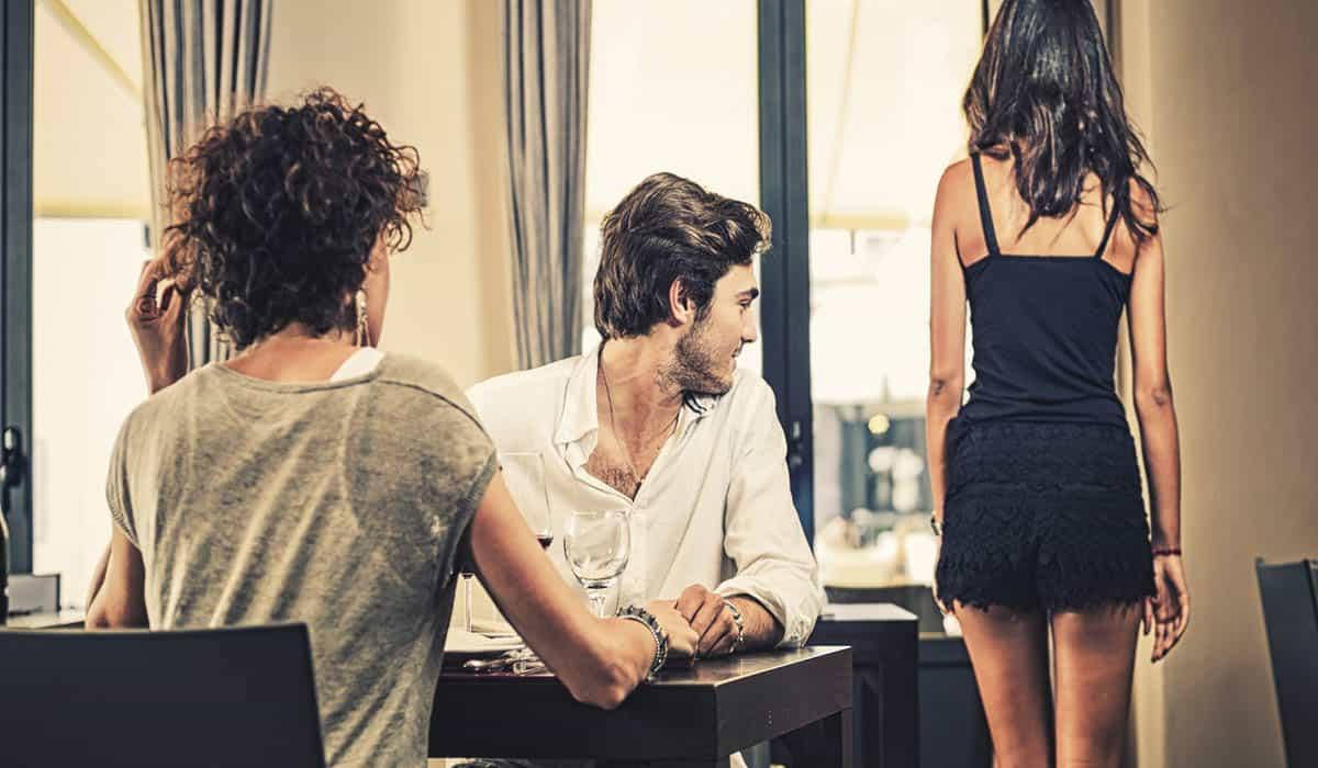 Online dating advertentie voorbeelden