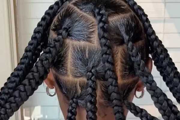 The jumbo knotless braids for fashion.