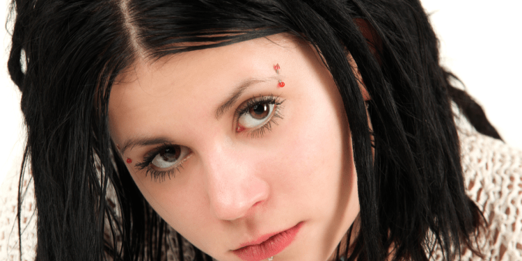 Things you need to know before getting an eyebrow piercing!
