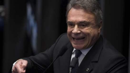 """Alvaro: """"Rodrigo Maia não é o imperador do Brasil"""""""