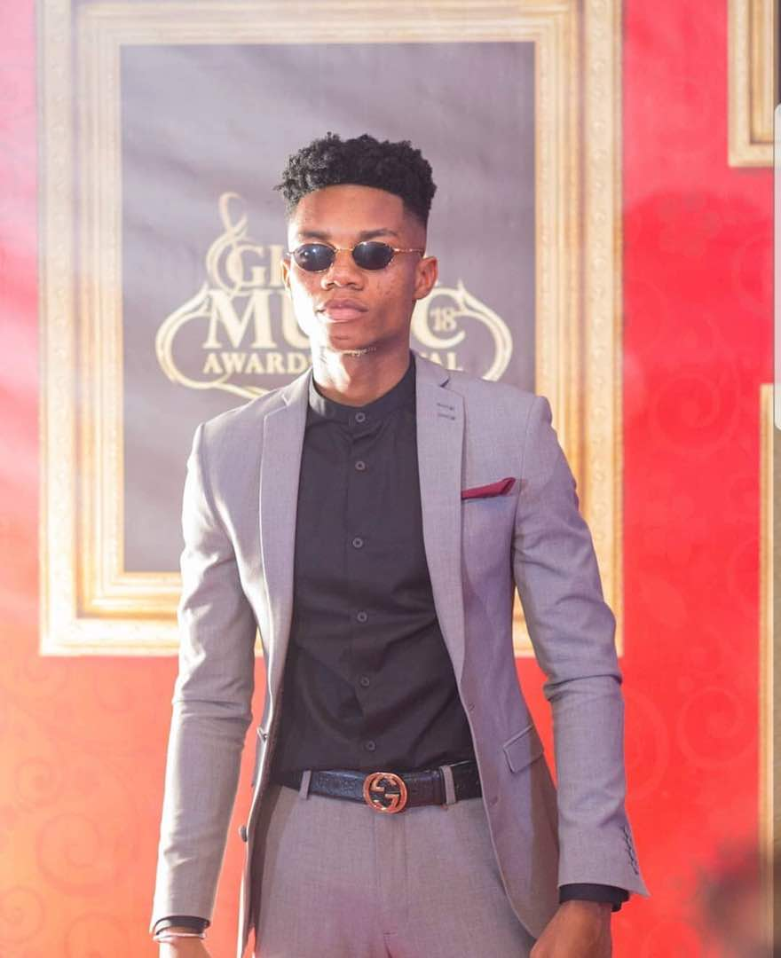 Kidi Playing With A Girl's 'Distin' Goes Viral