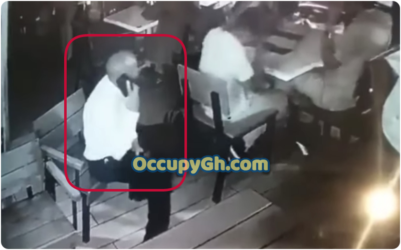 Smartly Dressed Man Caught Stealing Laptop