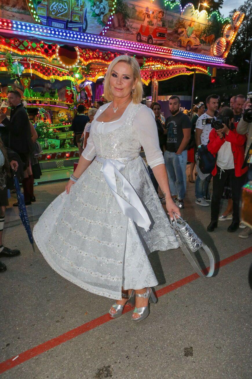 Sylvie Meis in einem kleinen   Oktoberfest Stars im