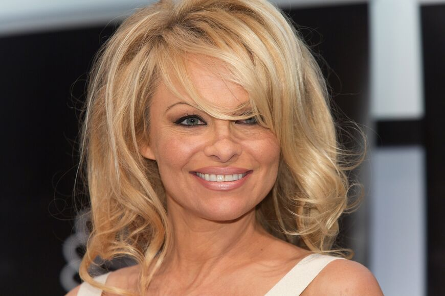 Oldschool Baby! Pamela Anderson Mit Neuer Frisur Kaum