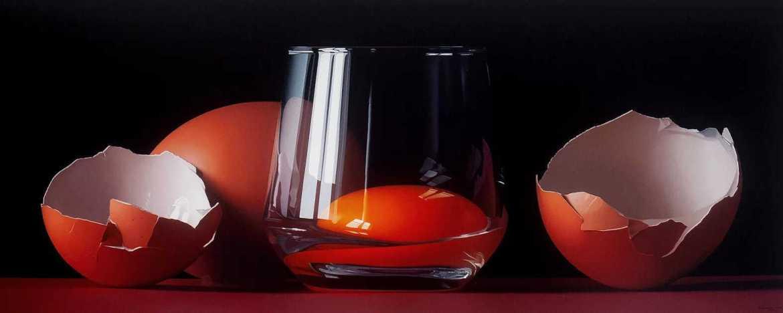 pintura realista huevos rotos en vaso