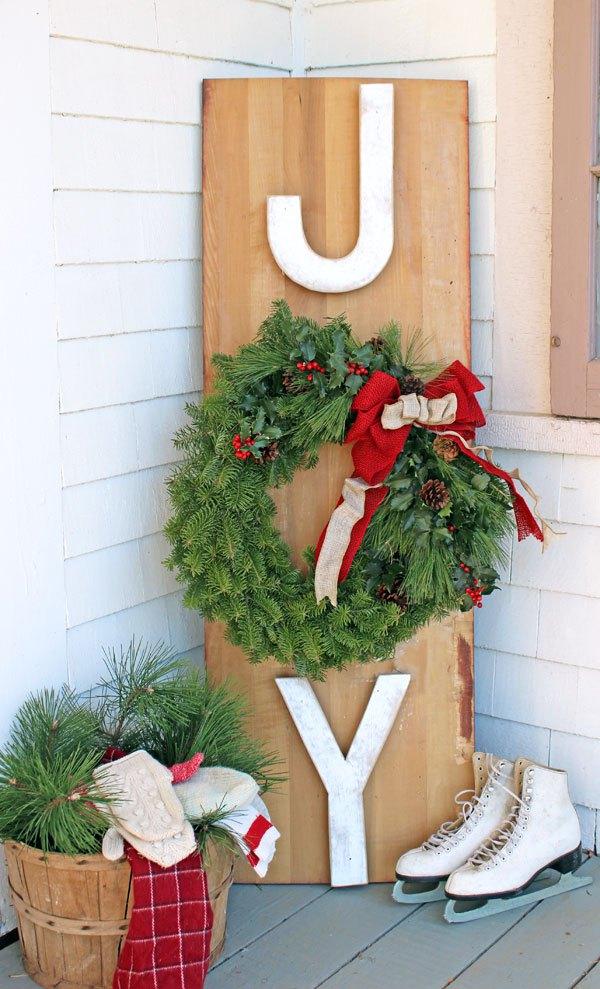 """""""joy"""" outdoor wreath"""