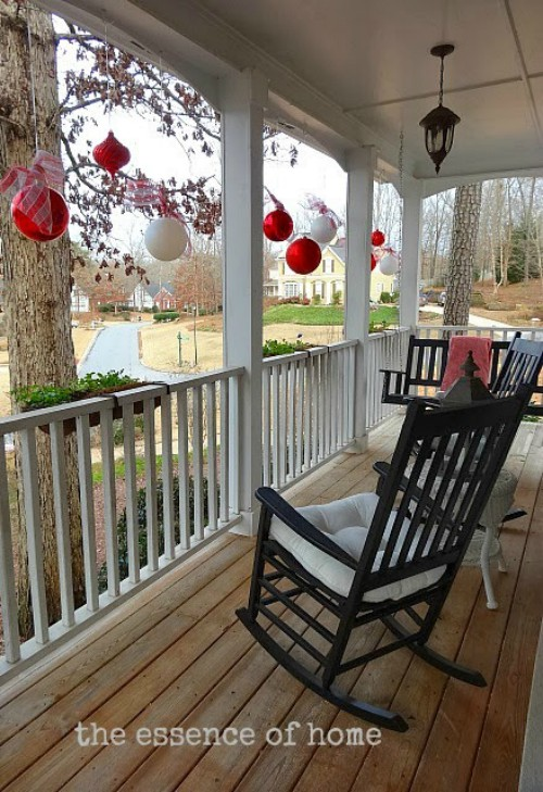 oversized ornaments as outdoor Christmas decorations