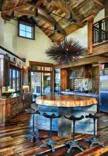 Rustic Ranch House In Colorado Opens Mountains