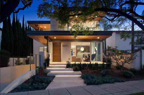 Southern California Home Features Elegant Contemporary