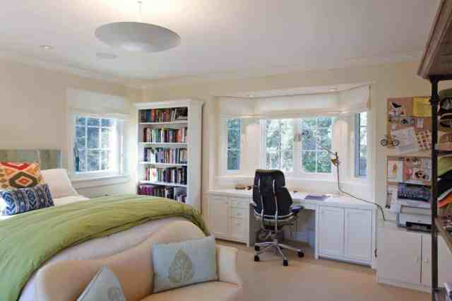 master bedroom office space
