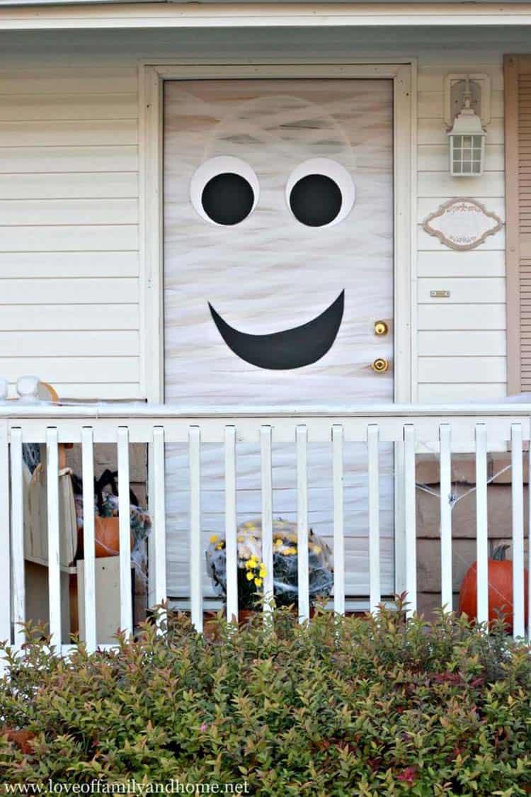 33 Amazingly creative Halloween front door decorating ideas