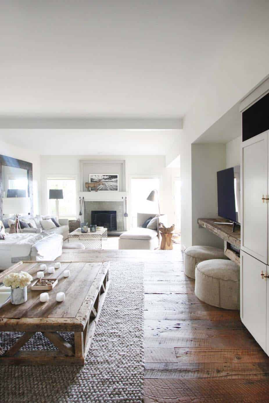 Modern beach house with an organic feel in North Carolina