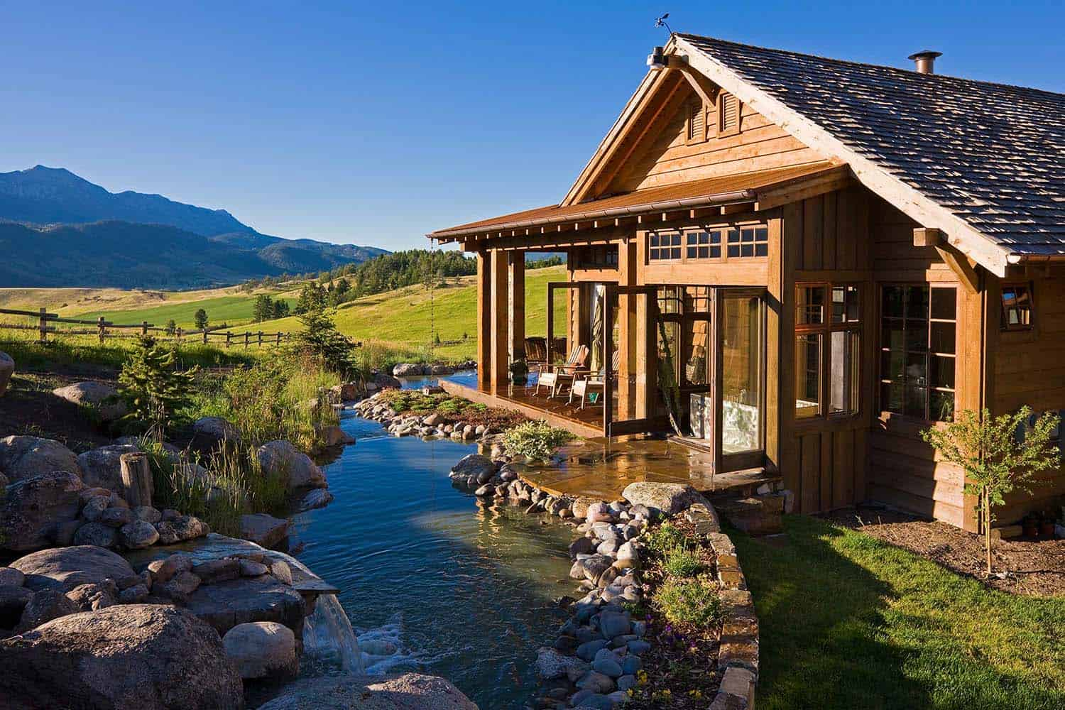 Breathtaking Rustic Retreat With Postcard Views Of The