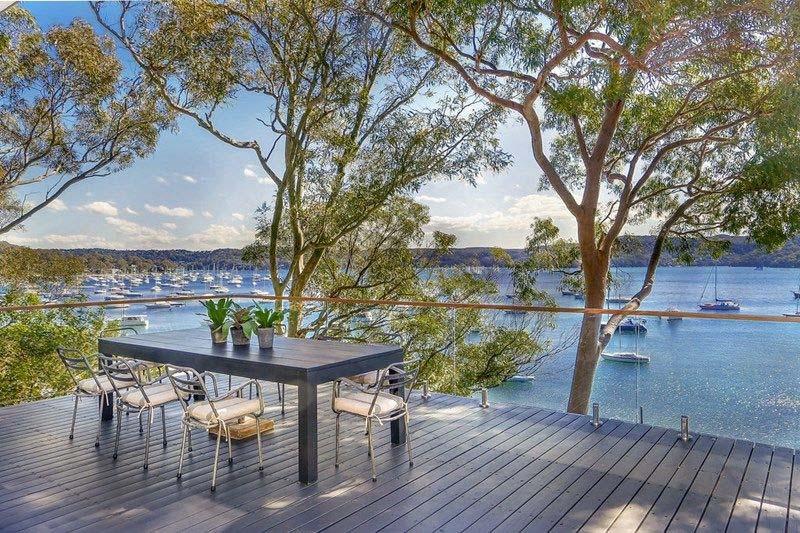 Australian Waterfront Home Showcases Contemporary Coastal