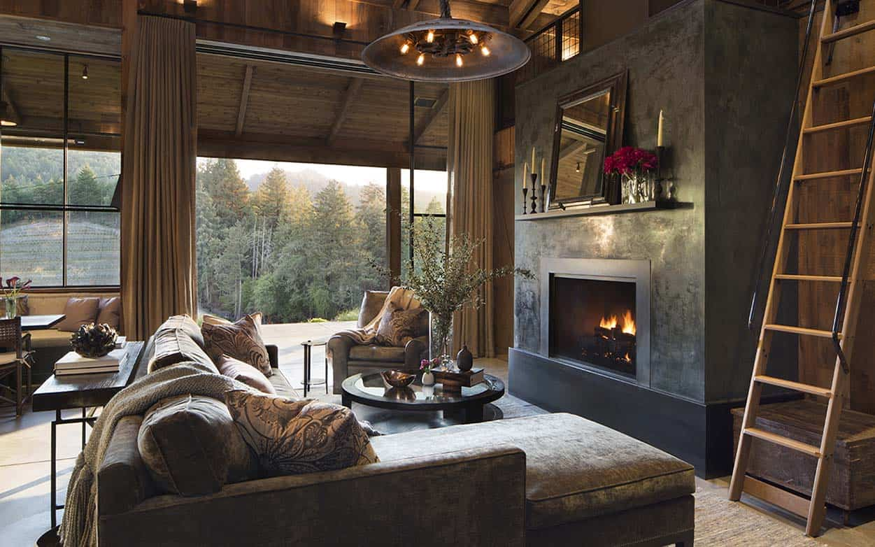 Small woodsy cabin features a cozy farmhouse style in Napa