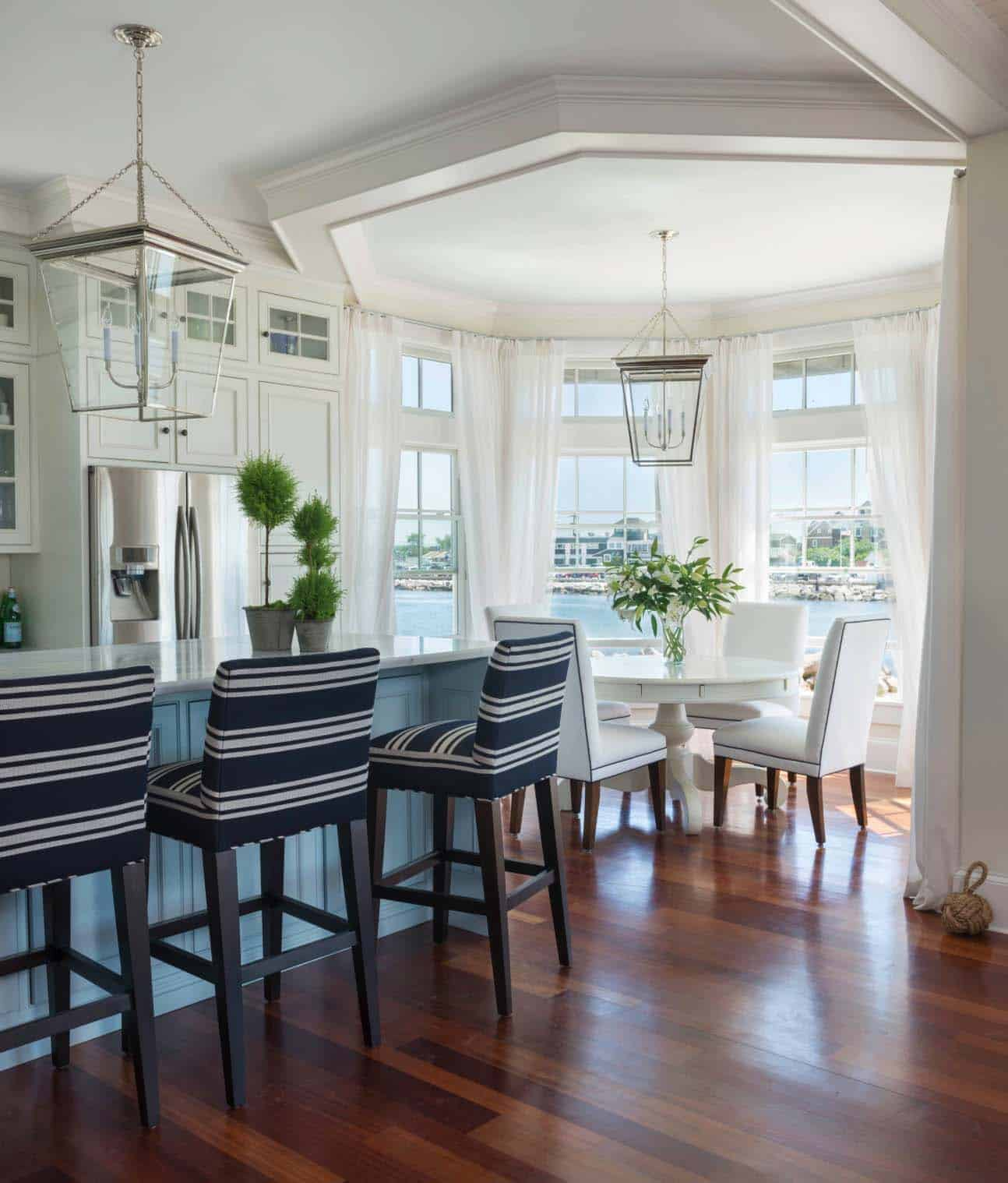 sailcloth beach chairs brown leather recliner chair a dreamy new england house with seaside views | one kindesign