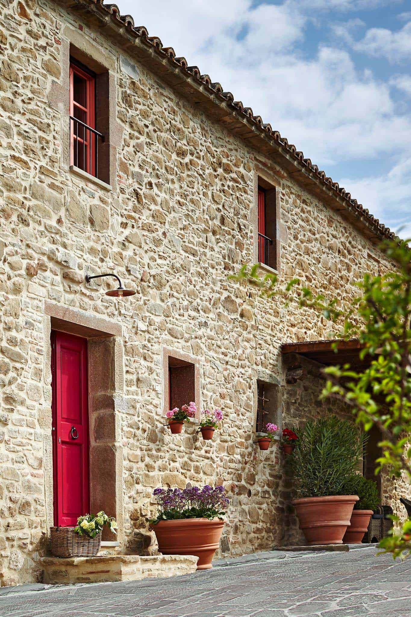 Ventanales Para Exteriores 16th Century Farmhouse Restored Into Charming Holiday