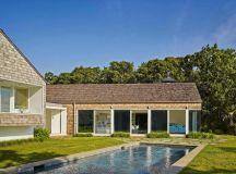 Beautiful seaside dwelling in Amagansett flooded by ...
