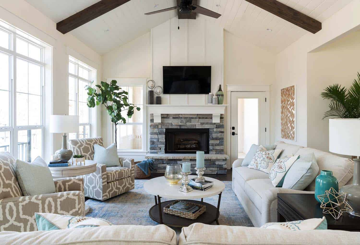 lake house living room photos black white and blue ideas warm cozy in texas features a modern twist