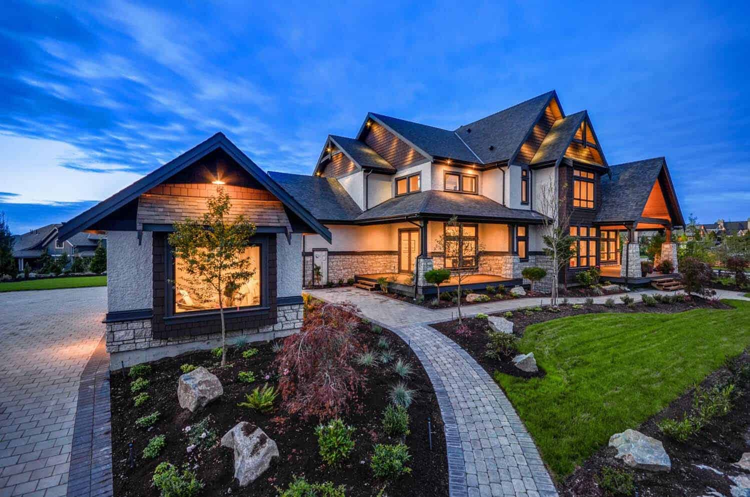 Transitional style home in British Columbia showcases gorgeous details