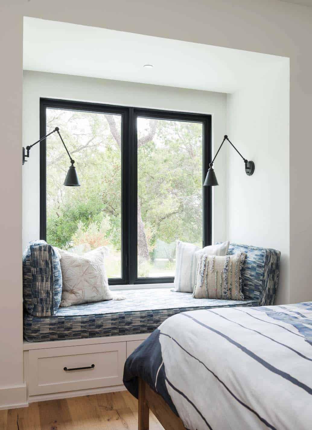 Modern farmhouse style in Texas showcases fantastic design