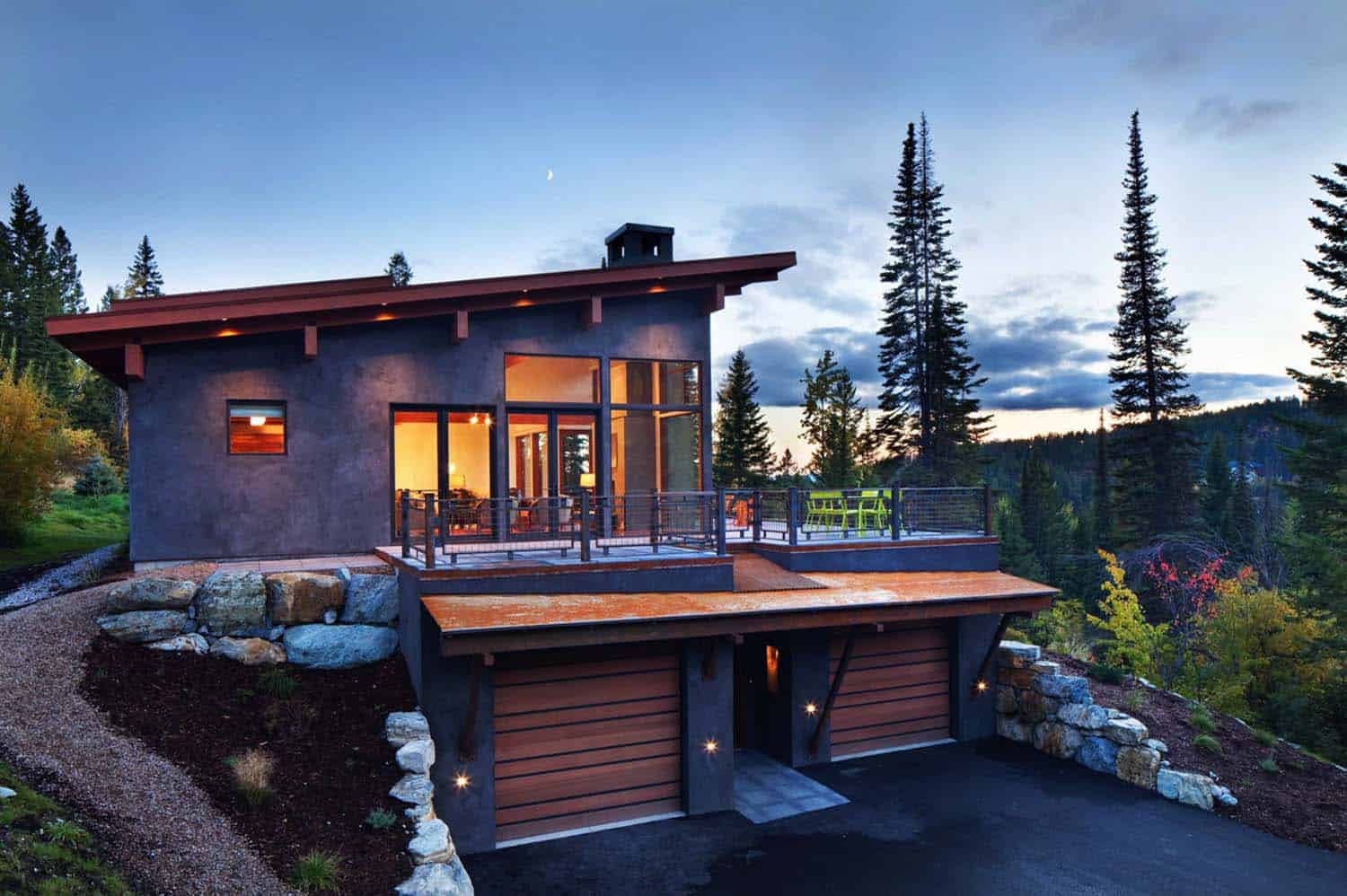 A mountain modern take on the classic skiinskiout chalet in Montana