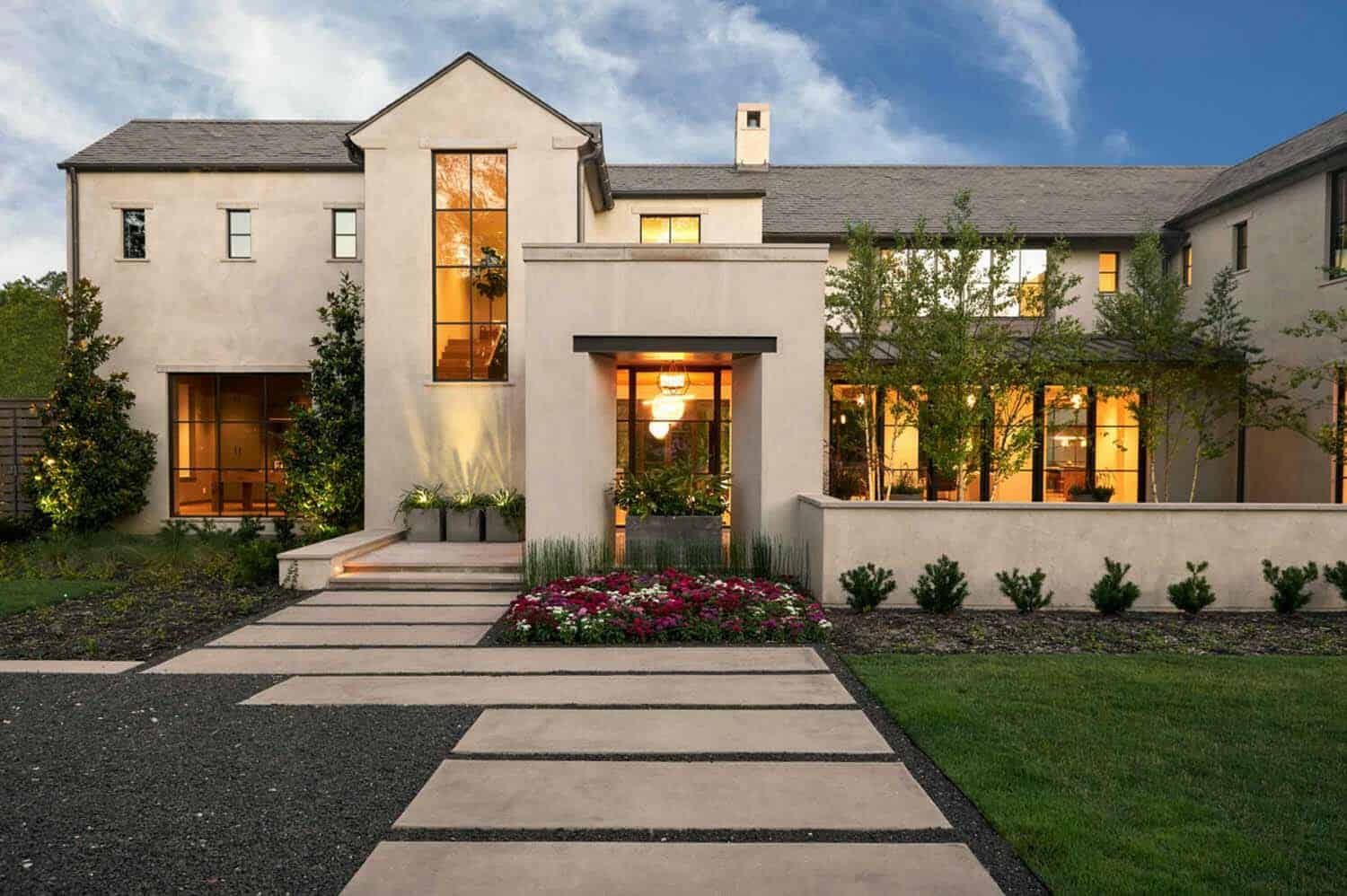 Transitional style home in Texas boasts outstanding interior details