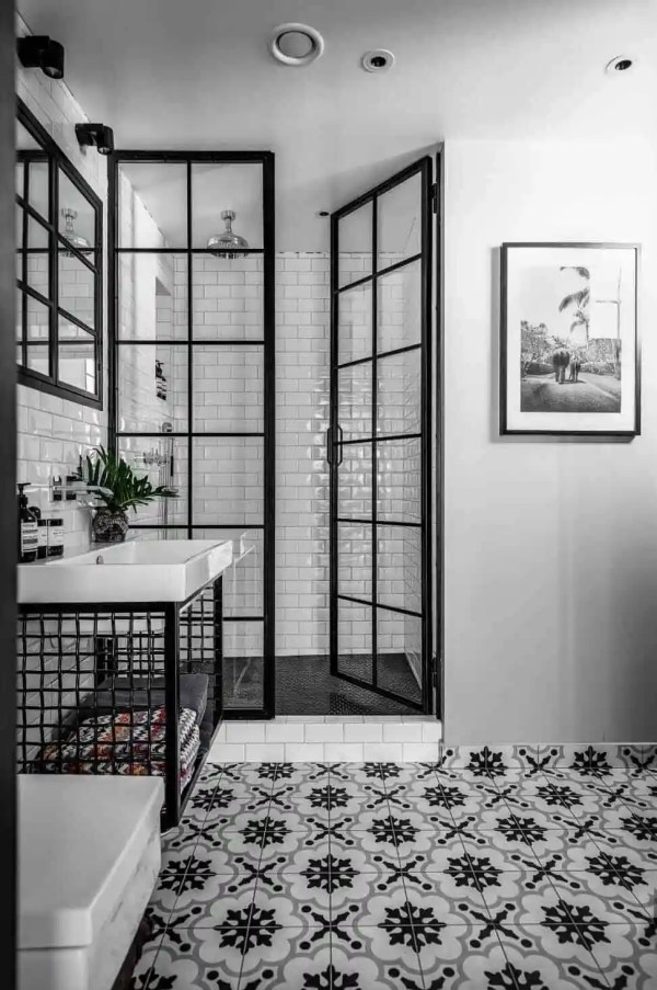 Incredibly Stylish Black And White Bathroom Ideas