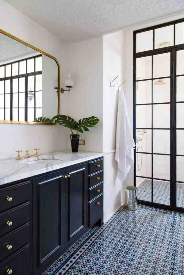 Incredibly Stylish Black And White Bathroom Ideas Inspire