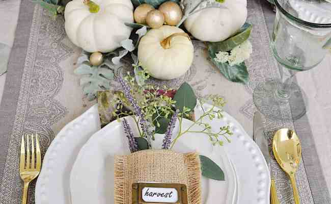 25 Warm And Welcoming Fall Table Decorating Ideas
