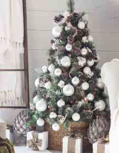 One kindesign also absolutely stunning white christmas tree decorating ideas rh onekindesign