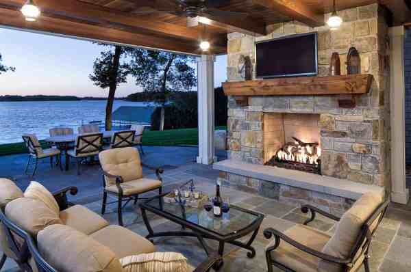 covered outdoor living space 33 Fabulous Ideas For Creating Beautiful Outdoor Living Spaces