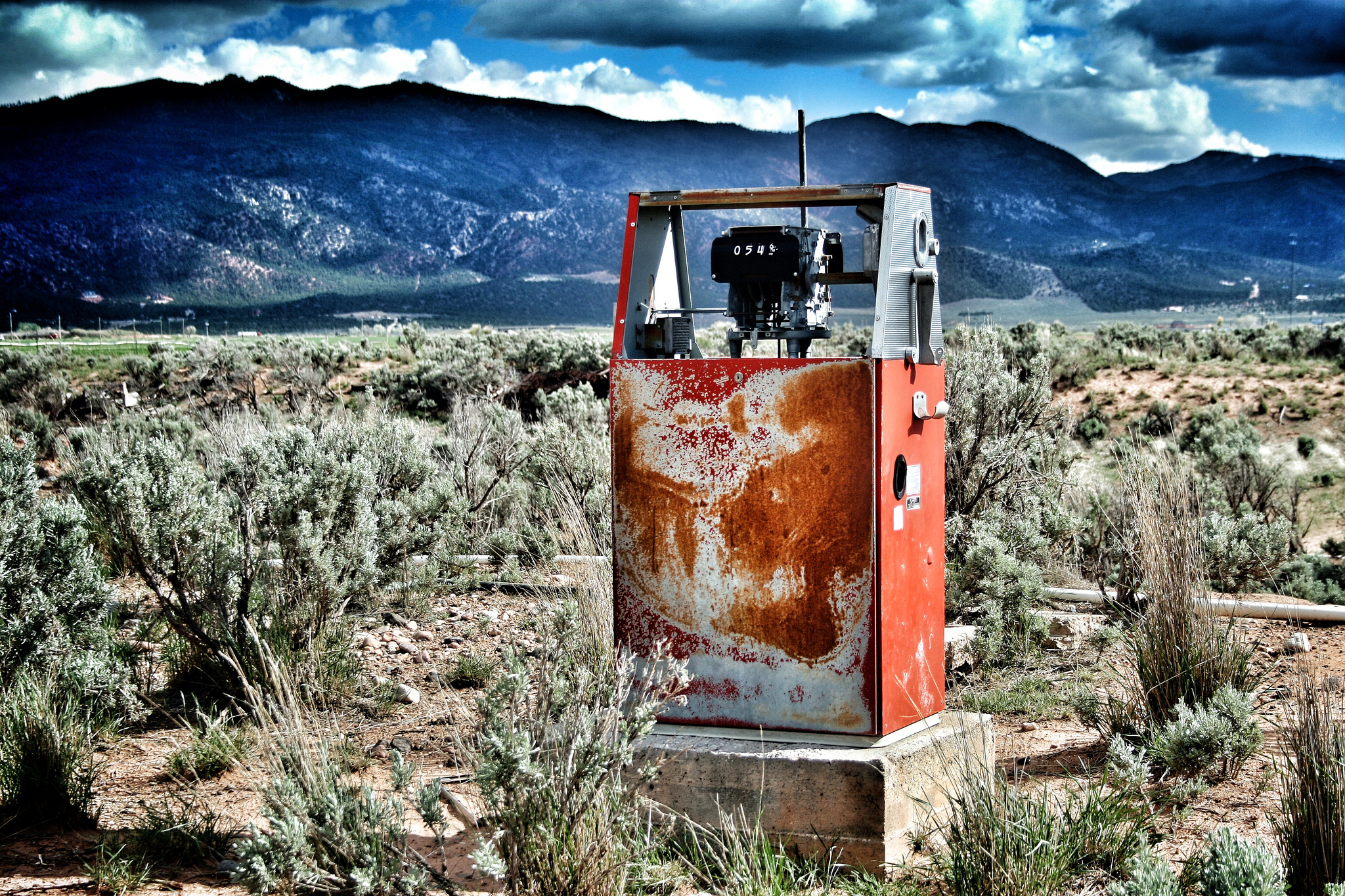 18 Abandoned Places in Utah that Nature is Reclaiming