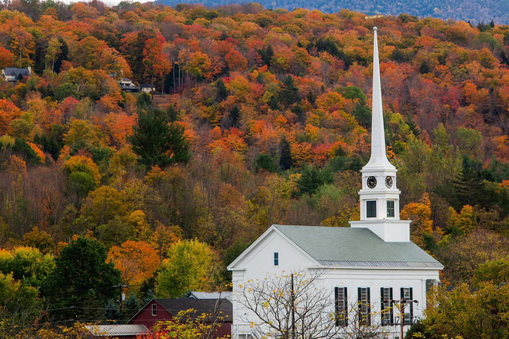 Fall Colors Wallpaper New England Here Are The Most Beautiful Charming Small Towns In Vermont