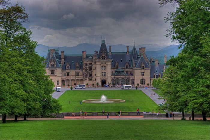 17 Amazing Castles In The USA
