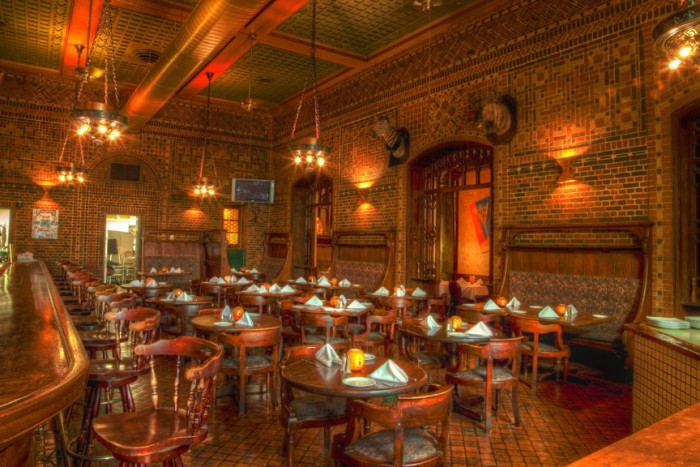 11 Of The Best Old Historic Restaurants In Maryland