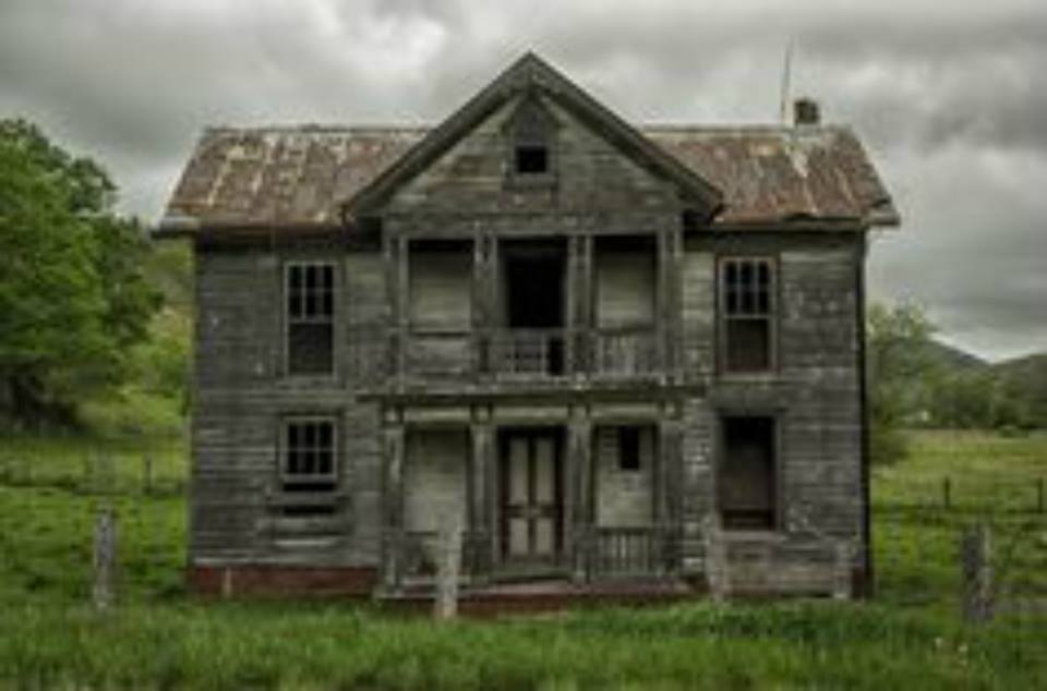 11 Creepy Houses In West Virginia That Look Haunted