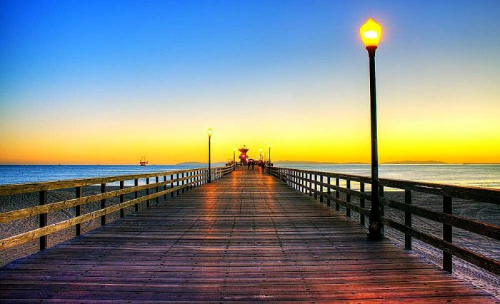 16. So many gorgeous  piers throughout Southern California. Perfect for a stroll and an epic view of the ocean.