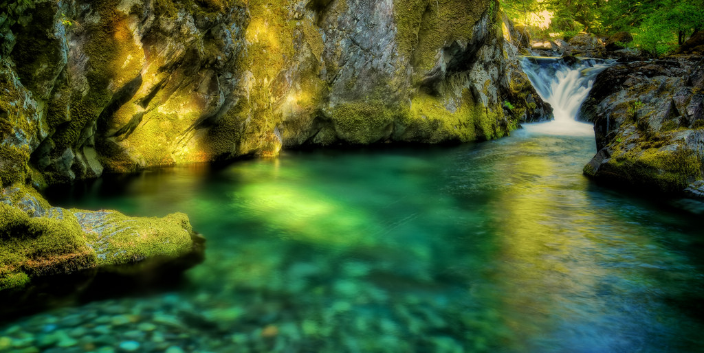 11 Swimming Holes In Oregon With Pristine Beautiful Water