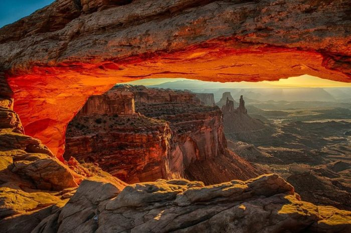 Amazing Falls Wallpaper The Mesa Arch Hike In Utah Will Leave You In Awe