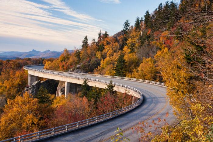 Blue Ridge Parkway Fall Wallpaper Gorgeous Fall Foliage Road Trip Through Georgia