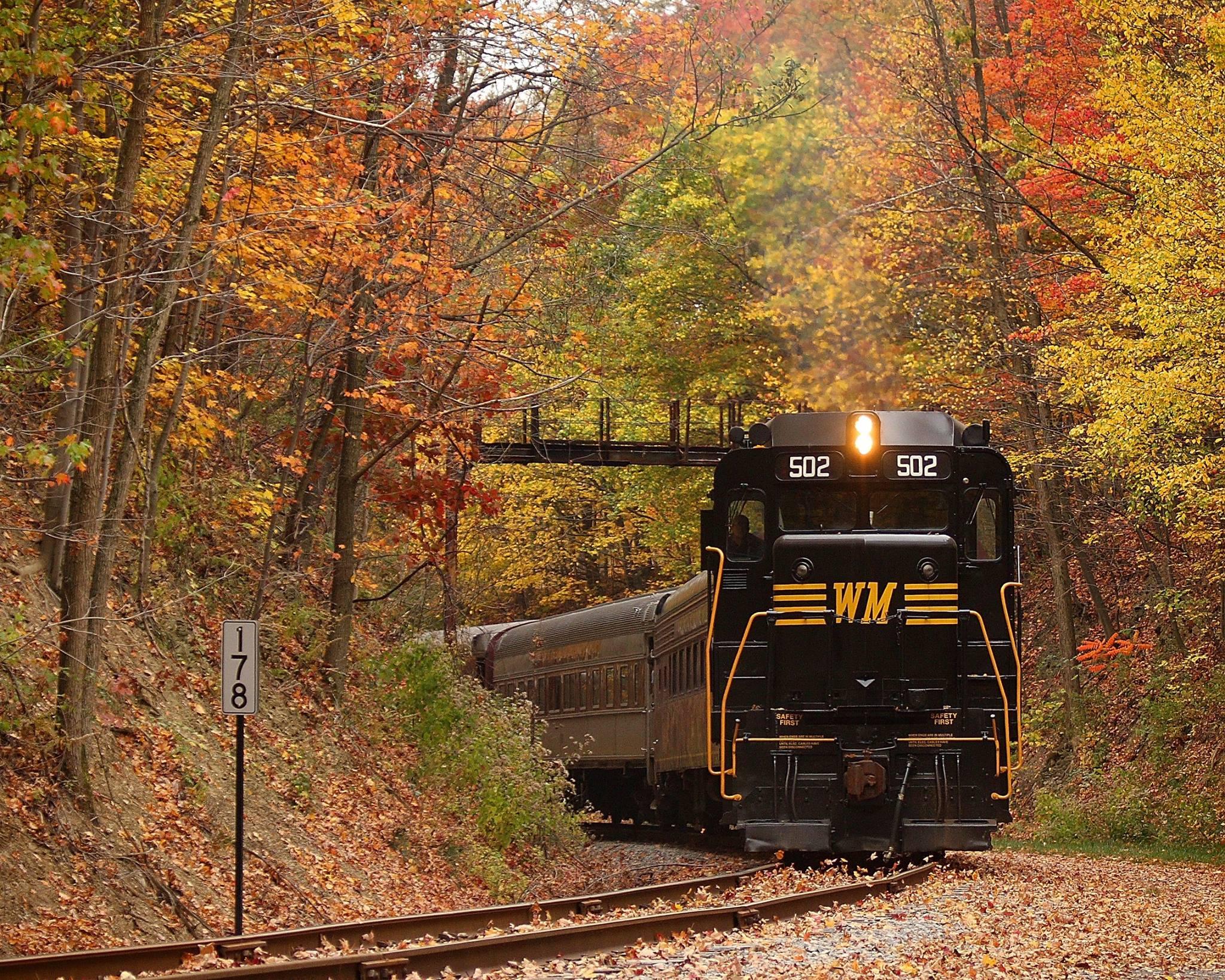 Boston In The Fall Wallpaper Take This Fall Foliage Train Ride Near Washington Dc