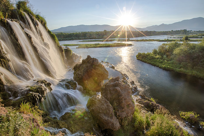 Animated Fall Wallpaper The South Fork Of The Snake River In Idaho Is A Stunning