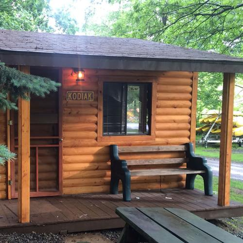 9 Cozy Cabins Near Pittsburgh Promise The Perfect Fall Getaway