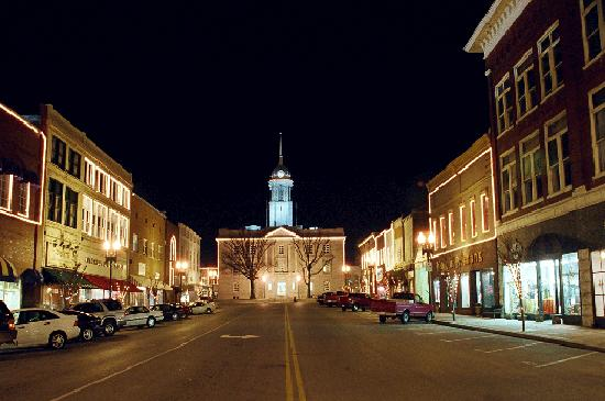 Never Fall In Love Wallpaper Columbia Tennessee Is A Small Town With Lots Of Fun