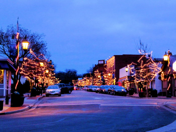 The 11 Best Christmas Towns In Illinois In 2016