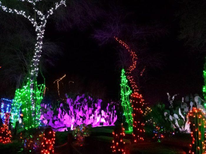 Christmas Lights Synced Music