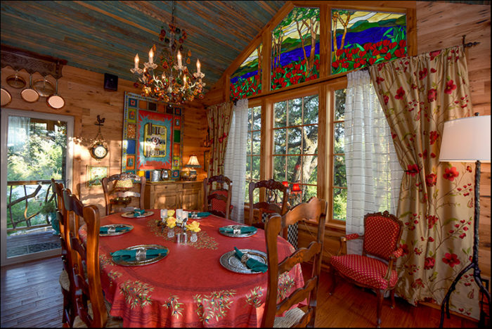 The Laurel Tree Restaurant In Texas Lets You Eat In A Treehouse