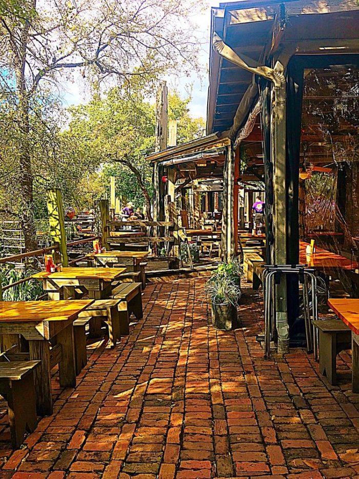 Restaurants Where You Can Eat Outside
